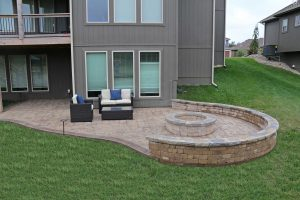 Patio Should Have A Seating Wall