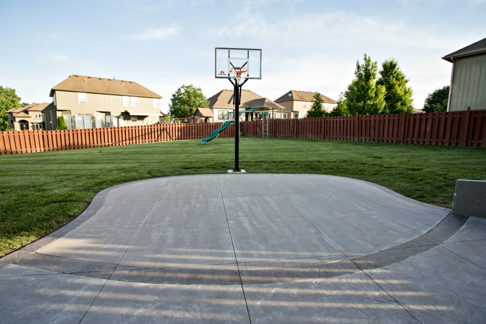 Backyard With A Fire Pit Basket Ball