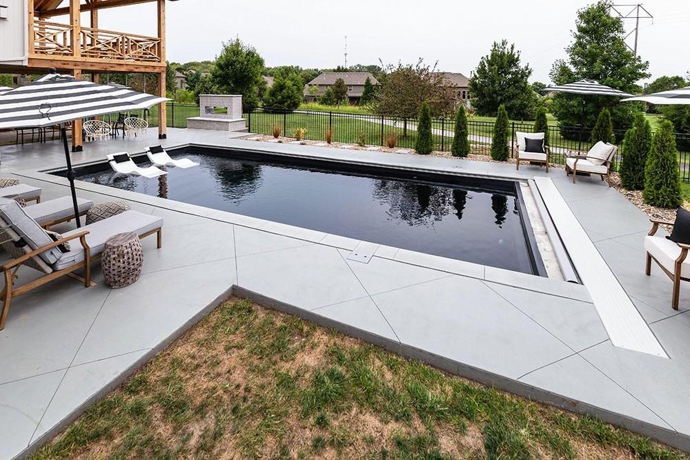 contemporary poolscape
